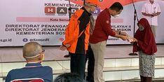 Di Semarang, Kemensos Serahkan Bansos Tunai Kepada 2.210 KPM