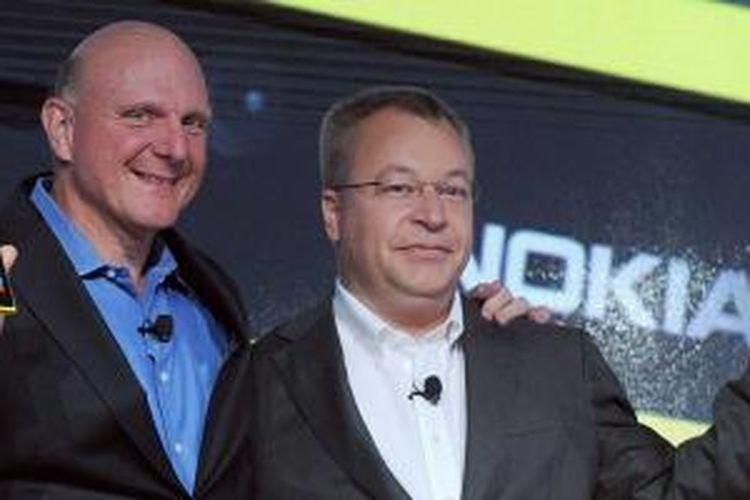 CEO Microsoft Steve Ballmer dan CEO Nokia Stephen Elop