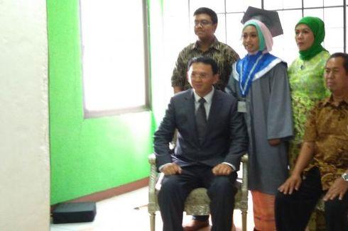 Ahok Jadi Wali Mahasiswa dalam Wisuda Universitas Paramadina