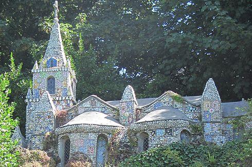 Mengintip Kapel Tua Terkecil di Dunia dari Kepulauan Channel