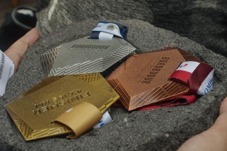 Desain medali Borobudur Marathon 2019, terinspirasi dari kontur bangunan Candi Borobudur.