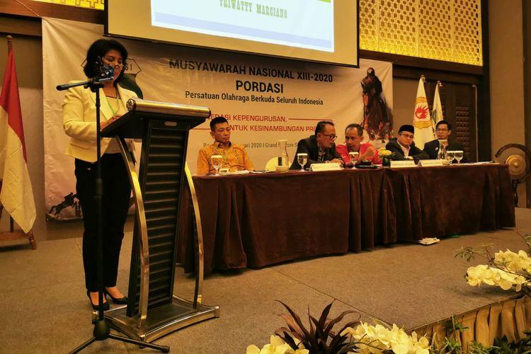 Triwatty Marciano (kiri) terpilih menjadi Ketua Umum Pengurus Pusat Persatuan Olahraga Berkuda Seluruh Indonesia (PP Pordasi) untuk periode 2020-2024.