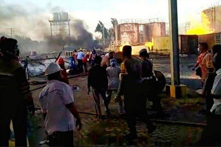 Ledakan terjadi di bagian sebuah pabrik bioethanol di Mojokerto, Senin (10/8/2020).