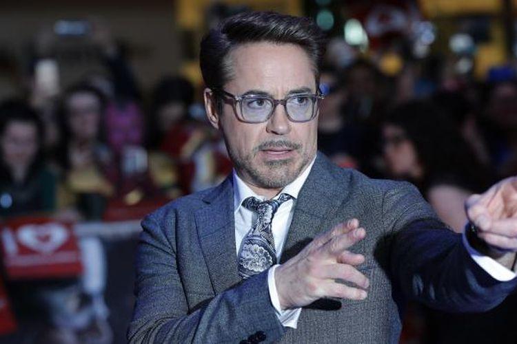 Aktor Robert Downey Jr menghadiri pemutaran perdana (premiere) film Captain America: Civil War di London, Inggris,  Selasa (26/4/2016).