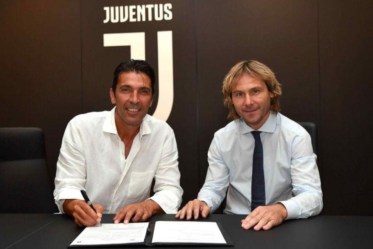 Gianluigi Buffon resmi kembali ke Juventus.