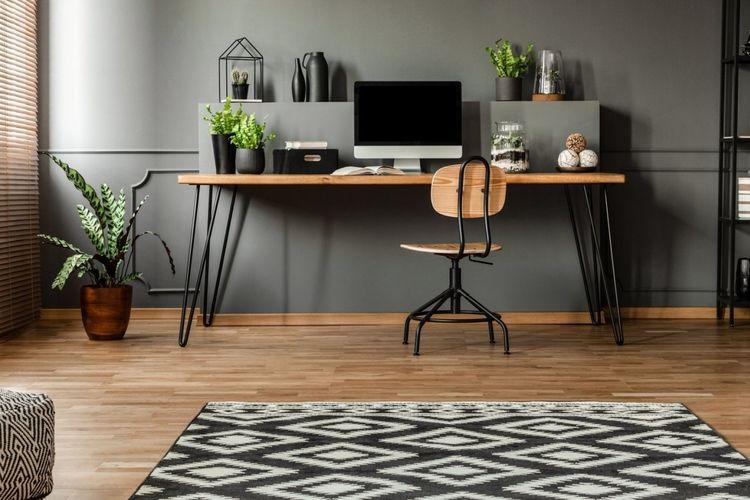 Ilustrasi ruang kantor di rumah ergonomis.