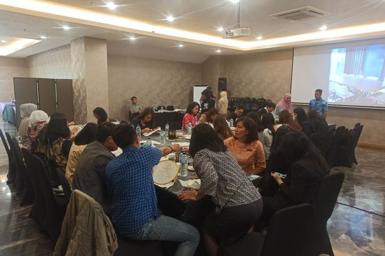 Workshop membatik di Oakwood Suites La Maison Jakarta