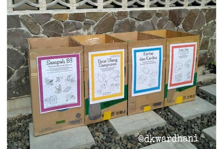 Pemilahan sampah berdasarkan kategori yang dilakukan oleh DK Wardhani.