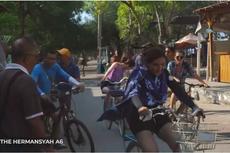 Keluarga Anang Hermansyah Nikmati Bersepeda Mengelilingi Gili Trawangan