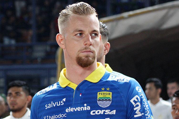 Kevin van Kippersluis saat membela Persib Bandung di kompetisi Liga 1 2019