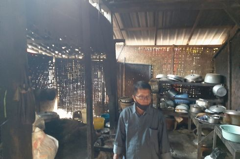 Dinding Anyaman Bambu dan Tungku Tanah Liat Jadi Saksi Bisu Gudeg Legendaris Buatan Mbah Lindu