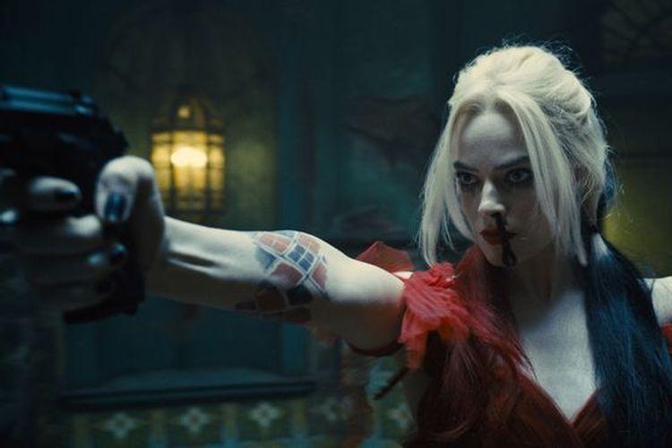 Margot Robbie sebagai Harley Quinn