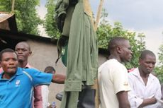 Pejabat di Kenya Gali Makam demi Copoti Seragam di Jenazah