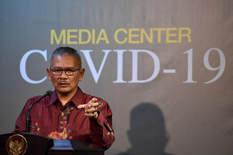 Juru bicara pemerintah untuk penanganan COVID-19 Achmad Yurianto memberikan keterangan pers di Kantor Presiden, Jakarta, Rabu (11/3/2020). Pemerintah menyatakan hingga Rabu (11/3) sore pasien positif COVID-19 di Indonesia bertambah dari 27 menjadi 34.