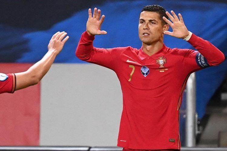 Penyerang Portugal, Cristiano Ronaldo, merayakan gol keduanya ke gawang Swedia di ajang UEFA Nations League pada 8 September 2020 di Solna, Swedia, Rabu (9/9/2020) dini hari WIB.