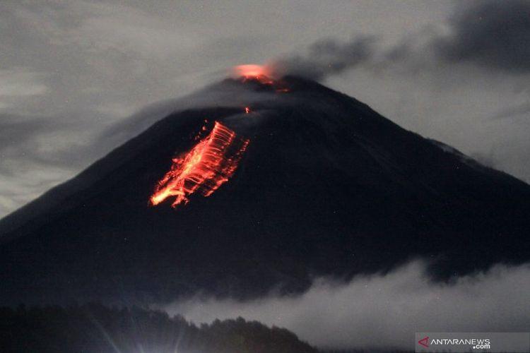 Fakta Erupsi Gunung Semeru Guguran Lava Meningkat Pendakian Ditutup Halaman All Kompas Com