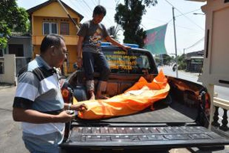 Sopir Truk Tewas Bersimbah Darah Di Jalan Raya Ambarawa Magelang