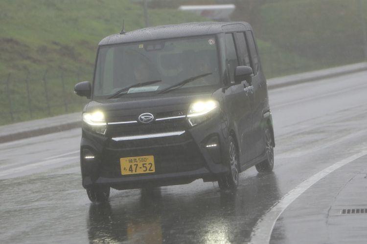Test Drive Daihatsu Tanto di Fuji Speedway