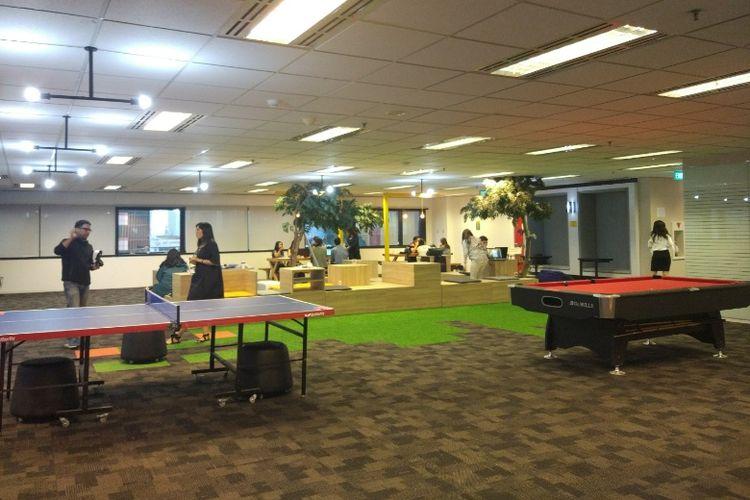 Coworking space EV Hive @Plaza Kuningan, Jakarta.