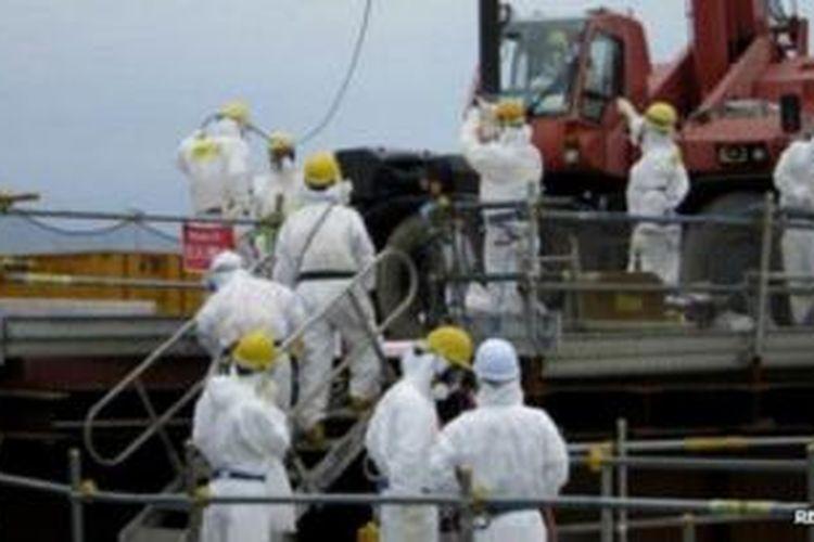 Pakar mengatakan butuh bertahun-tahun untuk menyelesaikan masalah kebocoran di Fukushima.