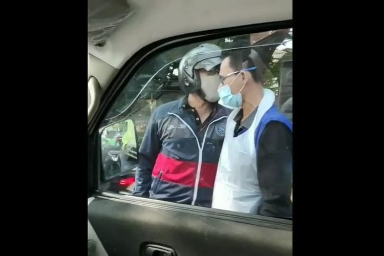 Beredar video rekaman mobil ambulans diadang pengendara motor di wilayah Depok, Sabtu (11/8/2020).