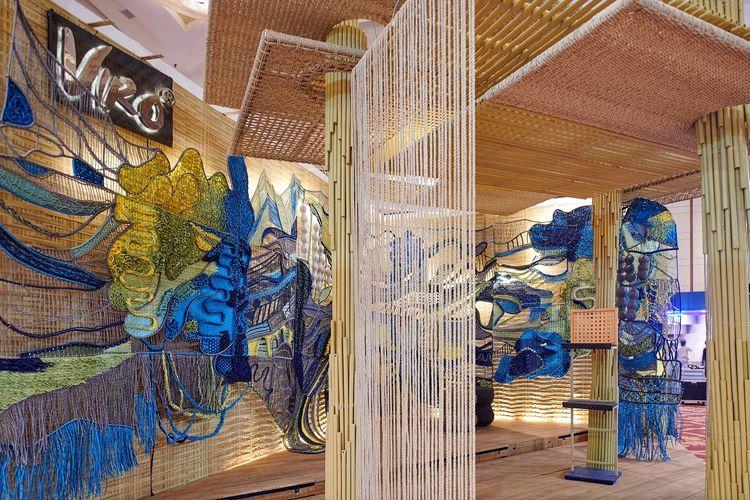 Booth Viro pada ajang CASA Indonesia 2019 hasil kolaborasi dengan desainer interior Kezia Karin.