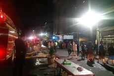 Kebakaran Mal Lokasari Square Jadi Tontonan Warga Sekitar