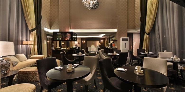 Golden Gate Lounge Hotel Amaroossa Grande Bekasi.