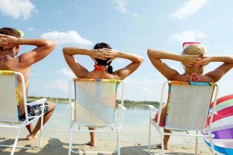 Lindungi kulit dengan tabir surya.