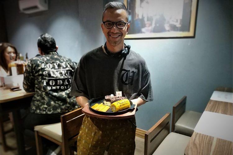 Didiet Maulana di restoran steaknya