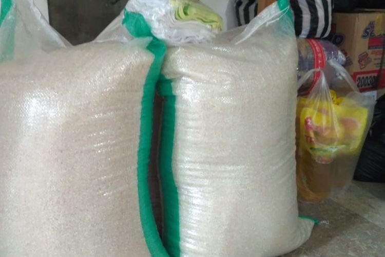 Sebagian bahan pangan yang terkumpul di Lumbung Solidaritas Rumah Banjarsari
