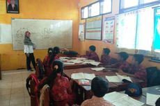 Kisah Pak Guru Arif: Mengajar di Sekolah Rawan Longsor hingga 11 Bulan Tak Terima Gaji