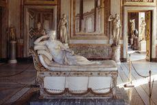 Patung Bersejarah di Italia Rusak Akibat Selfie