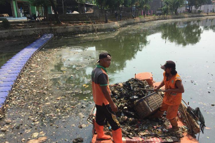 Kondisi Situ Rawa Kalong rusak parah, Selasa (11/6/2018)