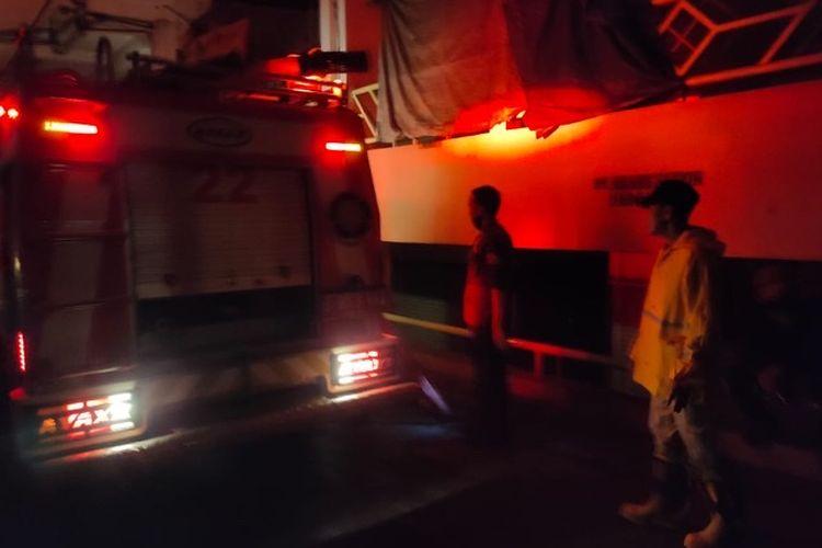 Pasar Baru Bekasi Jalan Ir H Juanda RT 003 RW 001, Duren Jaya, Bekasi Timur terbakar Senin (14/9/2020) malam