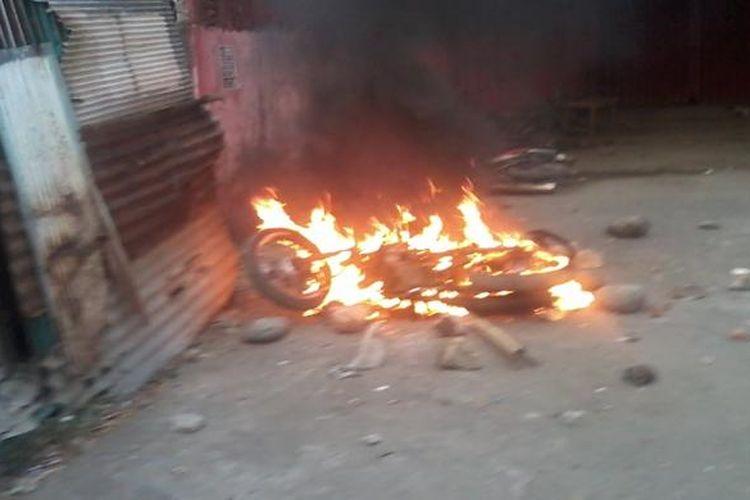 Ilustrasi motor dibakar.