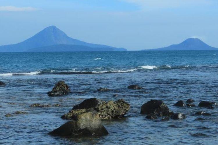 Pulau Sebesi di Selat Sunda