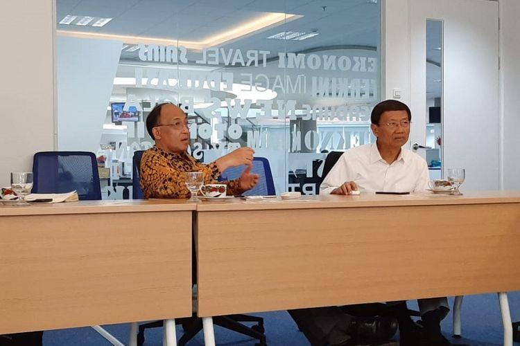 Pendiri President University dan Jababeka Group, SD Darmono (kanan), saat berkunjung ke kantor Redaksi Kompas.com, Jakarta, Selasa (23/7/2019).