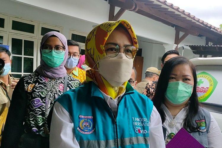 Wali Kota Tangerang Selatan Airin Rachmi Diany usai menjalani vaksinasi Covid-19 di Pendopo Tangerang, Kota Tangerang, Banten, Kamis (14/1/2021)