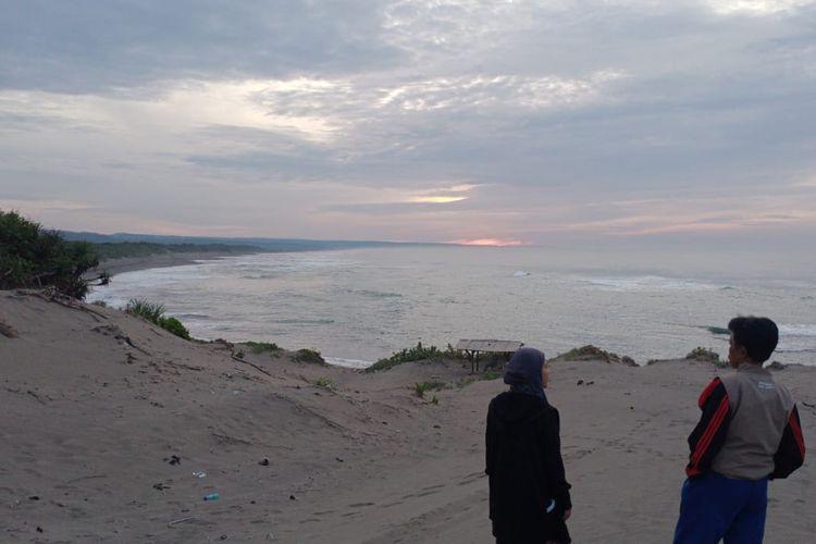 Area Gumuk Pasir Tungtung Karang yang berada dalam kawasan wisata Pantai Sayang Heulang di Desa Mancagahar, Kecamatan Pameungpeuk, Kabupaten Garut (Dinas Pariwisata dan Kebudayaan Garut).