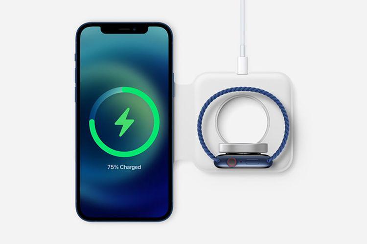 Salah satu aksesori MagSafe berupa folding charger untuk mengisi daya iPhone 12 dan Apple Watch secara bersamaan