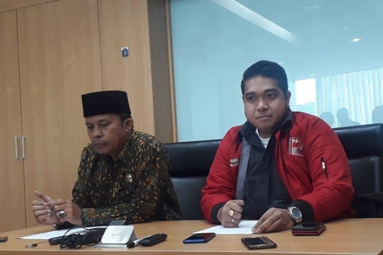 Anggota Fraksi PSI yang juga anggota Badan Kehormatan DPRD DKI Jakarta August Hamonangan dan Wakil Ketua Fraksi PSI DPRD DKI Jakarta Justin Adrian Untayana di Gedung DPRD DKI Jakarta, Jumat (29/11/2019).