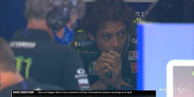 Valentino Rossi hampir tersambar motor di MotoGP Austria 2020