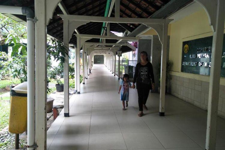 Lorong di Depan Ruang Radioterapi RSCM, Jakarta Pusat yang Sempat Kebanjiran Pada 05.00 WIB, Selasa (25/2/2020)