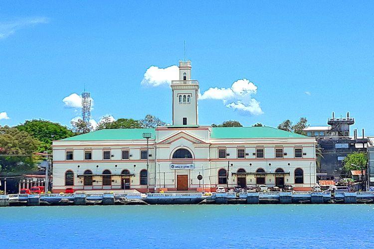 Bangunan di Iloilo, Filipina.
