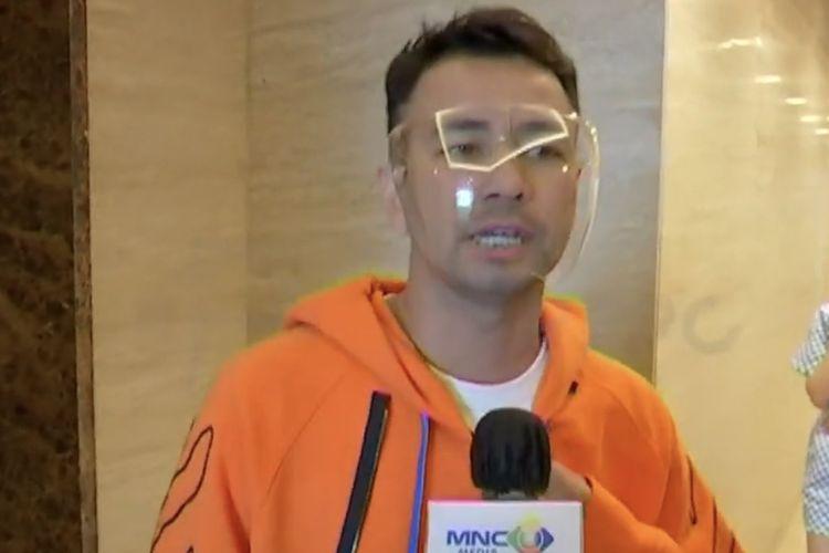 Raffi Ahmad bicara soal gurauan Vicky Prasetyo meminta sponsor pernikahan. (Bidikan layar Starpro Indonesia).