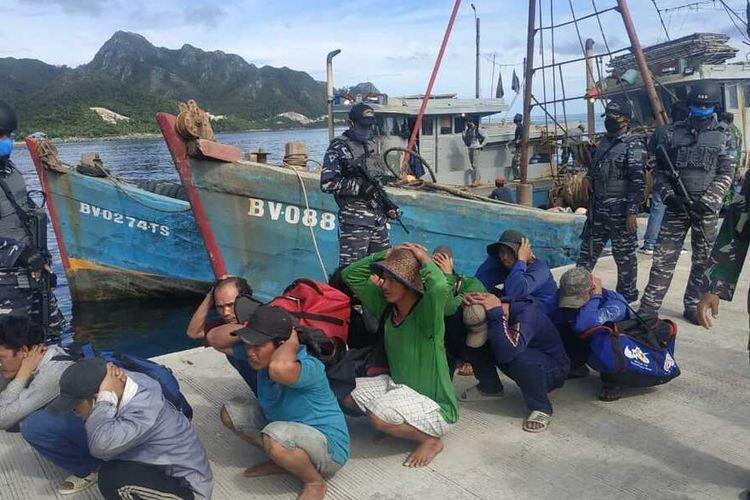Dua kapal ikan asing (KIA) asal Vietnam kembali berhasil diamankan di Laut Natuna Utara atau tepatnya di perairan Pulau Laut sekitar 20 Nautical Mile (NM) Utara Pulau Sekatung, salah satu pulau terdepan di Indonesia yang berada di wilayah Kabupaten Natuna, Kepulauan Riau (Kepri).