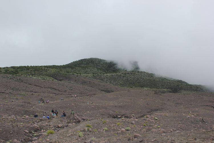 Gunung Marapi di Sumatera Barat.