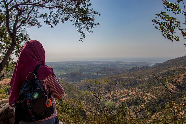 Pesisir utara Jawa Timur yang Terlihat dari Arak-arak Bondowoso.