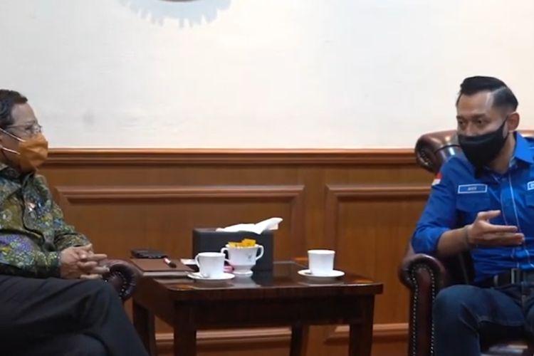 Ketua Umum Partai Demokrat Agus Harimurti Yudhoyono (AHY) menemui Menteri Koordinator Bidang Politik, Hukum, dan Keamanan (Menko Polhukam) Mahfud MD di kantor Kemenko Polhukam, Jakarta, Senin (8/3/2021).